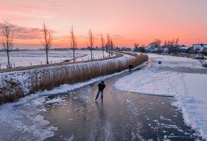 лед, каток, дорога, закат, дома, лодки