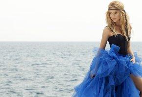 Shakira, Шакира, певица, море, платье, корсет, блондинка
