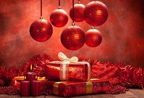 подарки, игрушки, свечи, шарики