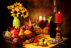 Обои бокал, штопор, красное, Вино, свеча, орехи, клубника