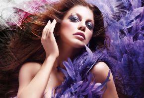 девушка, брюнетка, фиолетовый, перья, пирсинг