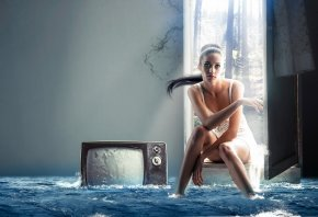 девушка, телевизор, вода, потоп, ситуация