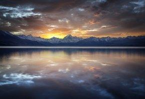 Озеро, гладь, тучи, закат, скалы, горы, отражение