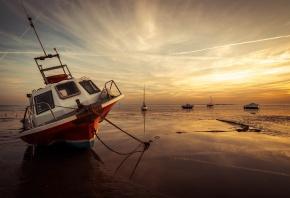 море, лодки, отлив, закат