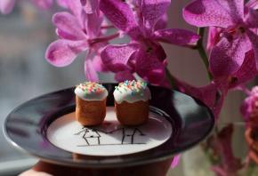 Обои Пасха, выпечка, тарелка, цветы, рисунок