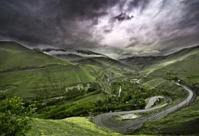 Обои пейзаж, горы, дорога, зелень, облака, трава