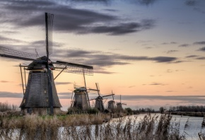 мельницы, трава, вода, небо, облака