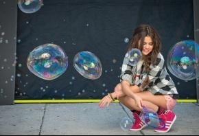 Selena Gomez, Селена Гомез, пузыри