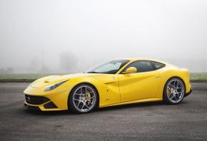 Ferrari, F12, berlinetta, Желтый, Туман, Автомобиль, Асфальт