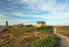 Обои дом, поле, небо, обрыв, океан, море
