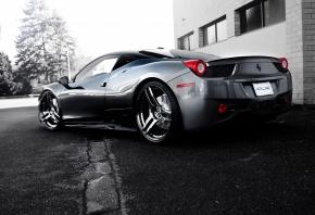 Обои ferrari, 458 italia, silvery, wheels, феррари, италия, серебристый, вид сзади, чёрные диски, здание, деревья