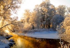 Обои река, снег, солнышко, деревья, восход
