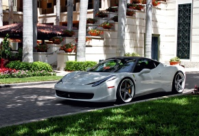 Обои Ferrari, 458, Italia, White, Tuning, Wheels, Yard, Grass, Villa