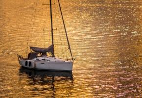 Обои яхта, море, парусник, вода, вечер