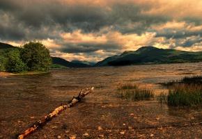 горы, озеро, палка, тучи, вода, пейзаж