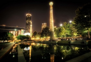 Обои парк, дома, огни, вечер, колонны, вода