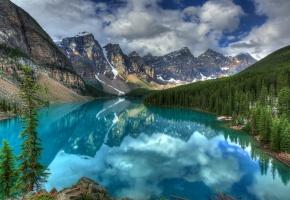 горы, река, голубая вода, деревья, лес, снег