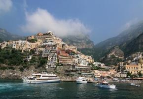 Обои Италия, побережье, горы, яхта, Positano, город, небо, облака