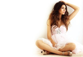 Виктория Джастис, Victoria Justice, девушка, красотка, актриса, певица, танцовщица, брюнетка, лицо, грудь, ножки, фон