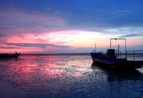 Обои ночь, море, корабли, пейзаж, закат, блики