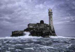 Обои Fastnet Rock, море, волны, маяк, пейзаж, пена