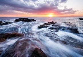 Обои Япония, Канагава, префектура, море, берег, прибой, камни, вечер, солнце, закат, горизонт, небо, облака