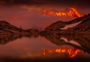 Обои горы, вода, отражение, закат, небо, облака