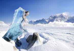 Обои девушка, небо, глыба, снег, мороз, облака, Горы, лёд