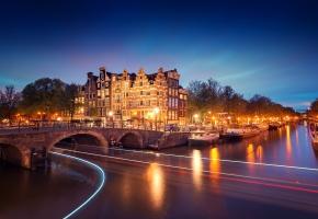 Обои Amsterdam, Nederland, Амстердам, Нидерланды, Голландия, вечер, мост, канал, огни, свет, фонари, река, лодки