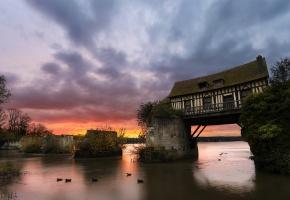 дом, река, облака, закат, утки