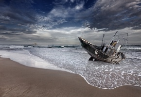 Обои Море, лодка, песок, пейзаж, волны