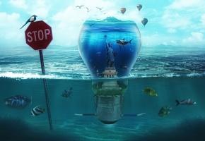 Обои лампа, вода, фантазия, рыбки, статуя свободы