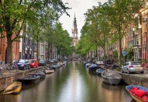 Обои Amsterdam, Амстердам, Nederland, Нидерланды, город, канал, мост, лодки, река, вода, дома, здания, деревья, машины, велосипеды