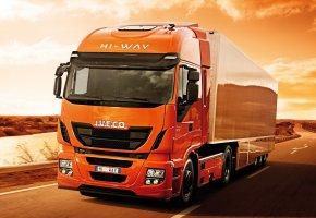 Обои Iveco, Stralis, Hi-Way, 500, тягач, трасса, пустыня, движение