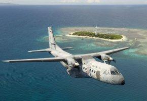 Обои CN-235, лёгкий, турбовинтовой, военно-транспортный, самолёт, полет, море, остров