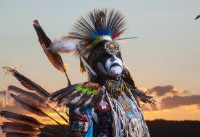 Обои Northwest Territories, вождь, воин, туземец, перья, стрелы