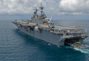 Обои USS Essex, (LHD-2), десантный, корабль, палуба, вертолеты, океан