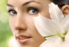 Обои макро, взгляд, глаза, цветок, лилия, лепестки