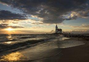 Обои Испания, Коста-Бланка, море, пляж, пирс, маяк, утро, солнце, восход