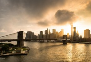 Обои East river, Manhattan, Manhattan Bridge, New York City, World Trade Center, мост, отражение