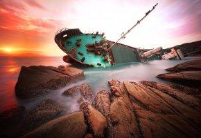 Обои кораблекрушение, корабль, скалы, море, Китай, hongkong, рассвет