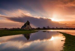 Обои храм, река, вода, гладь, закат