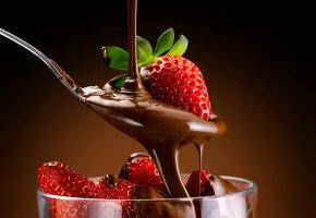 Обои клубника, земляника, десерт, шоколад, ложка