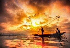 Обои озеро, ночь, лодка, сети, рыбалка, закат