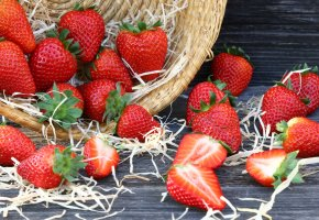Обои корзина, клубника, ягоды