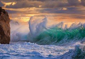 Обои небо, тучи, скала, море, волны, шторм