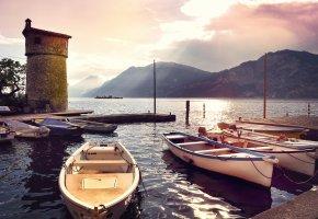 Обои море, горы, причал, небо, лодки, утро