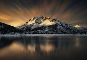 Обои горы, снег, отражение, зима, озеро, небо