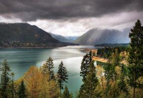 Обои небо, озеро, горы, тучи, деревья