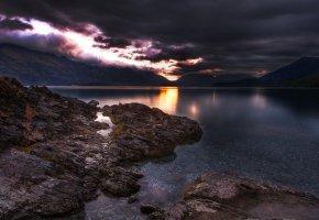Обои озеро, горы, тучи, камни
